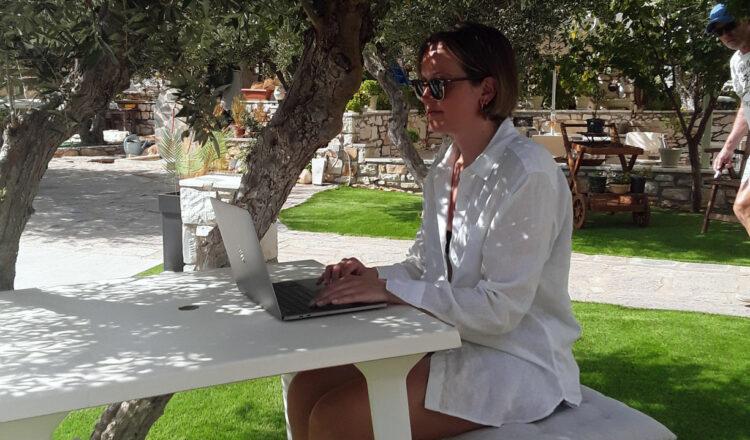 digital nomad naoussa paros